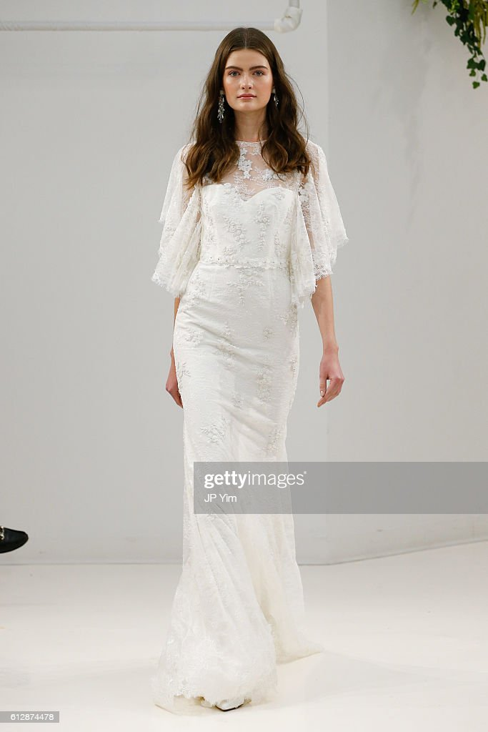 model-walks-the-runway-at-sachin-babi-fallwinter-2017-bridal-during-picture-id612874478