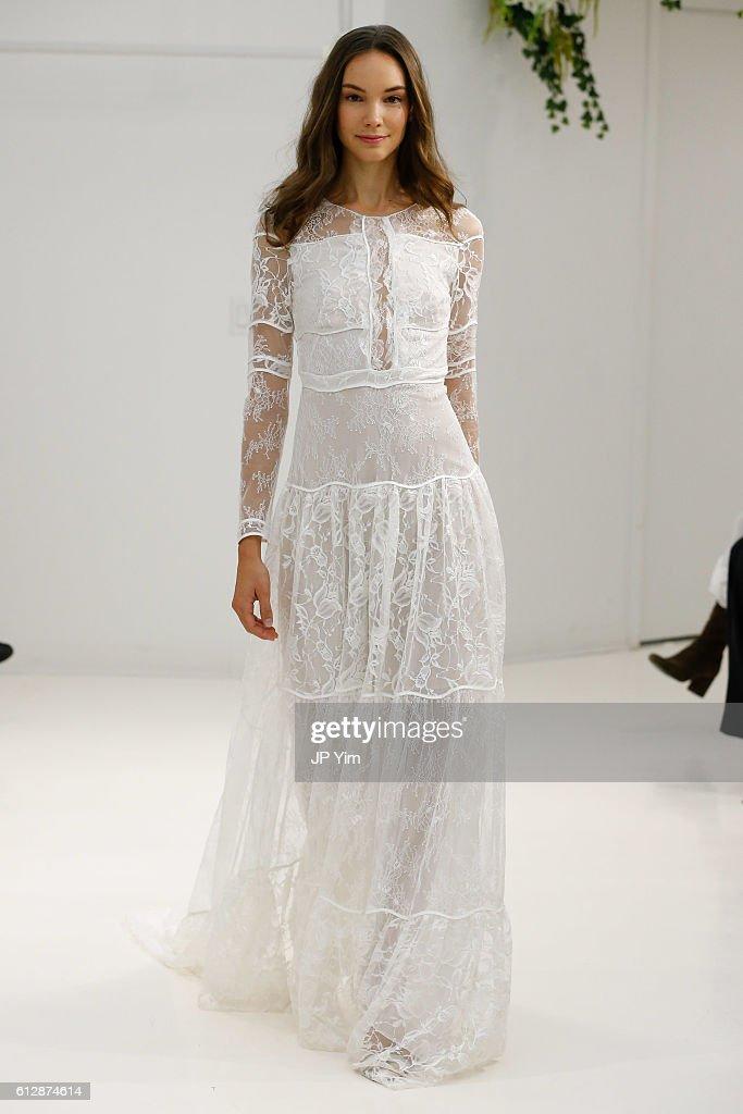 model-walks-the-runway-at-sachin-babi-fallwinter-2017-bridal-during-picture-id612874614