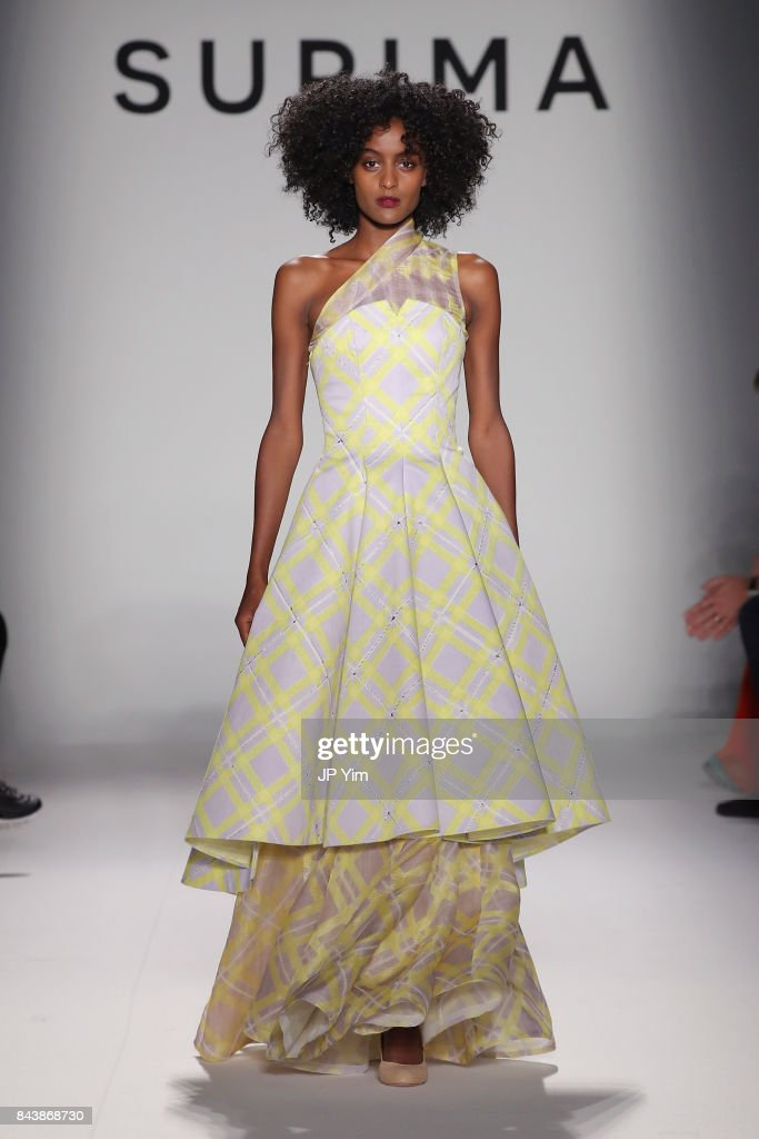 model-walks-the-runway-at-supima-design-competition-ss18-during-new-picture-id843868730