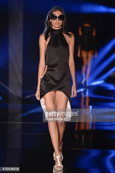 A model walks the runway at the Adriana Degreas show during the SPFW Summer 2016 at Parque Candido Portinari on April 17 2015 in Sao Paulo Brazil