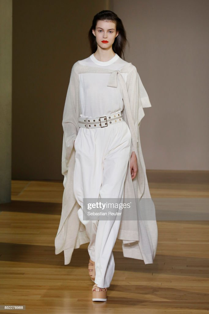 model-walks-the-runway-at-the-agnona-show-during-milan-fashion-week-picture-id852278988