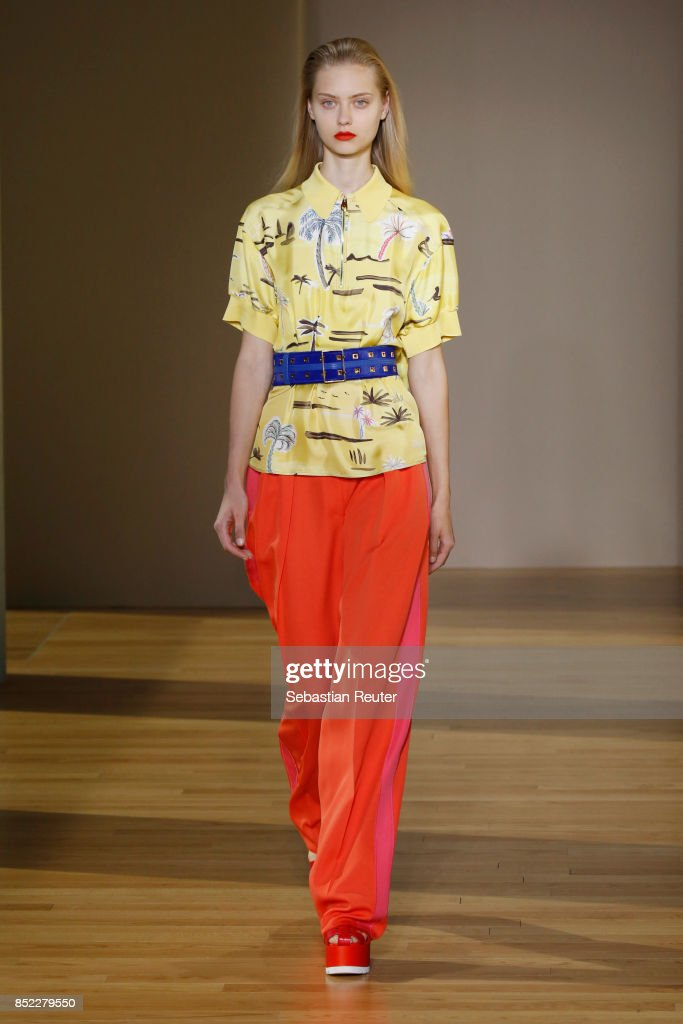 model-walks-the-runway-at-the-agnona-show-during-milan-fashion-week-picture-id852279550