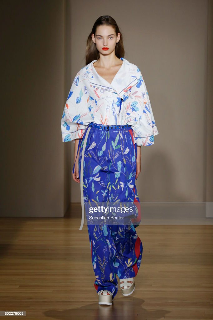 model-walks-the-runway-at-the-agnona-show-during-milan-fashion-week-picture-id852279668