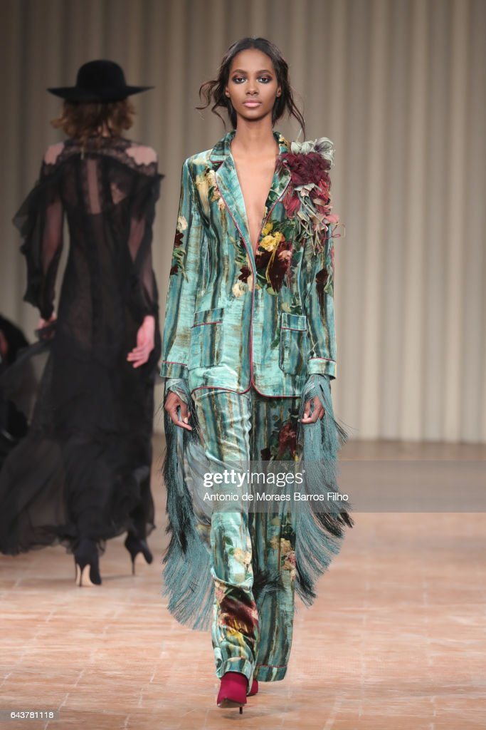 model-walks-the-runway-at-the-alberta-ferretti-show-during-milan-picture-id643781118