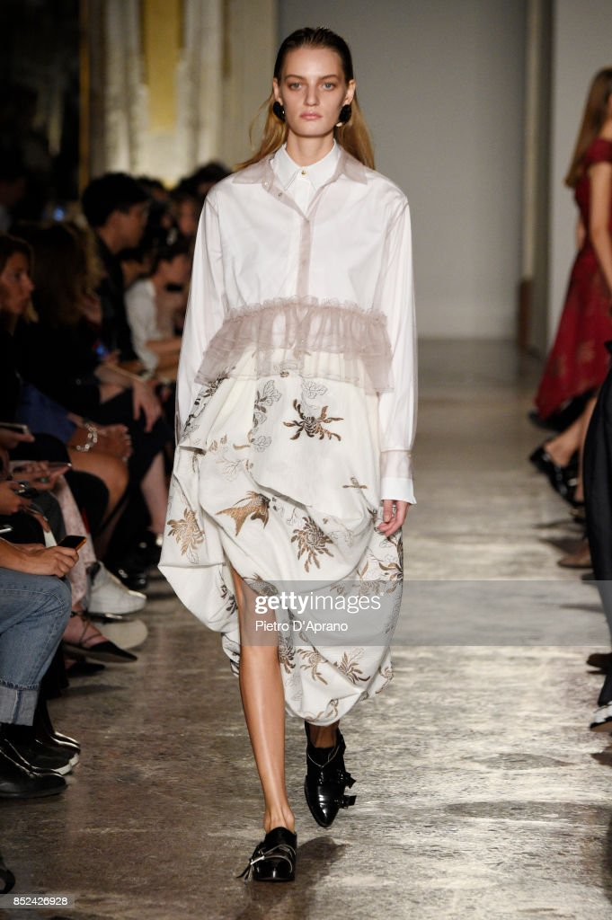 model-walks-the-runway-at-the-albino-teodoro-show-during-milan-week-picture-id852426928