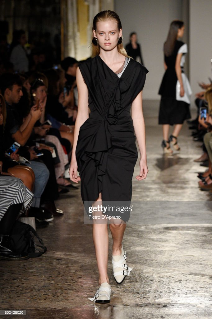 model-walks-the-runway-at-the-albino-teodoro-show-during-milan-week-picture-id852428020