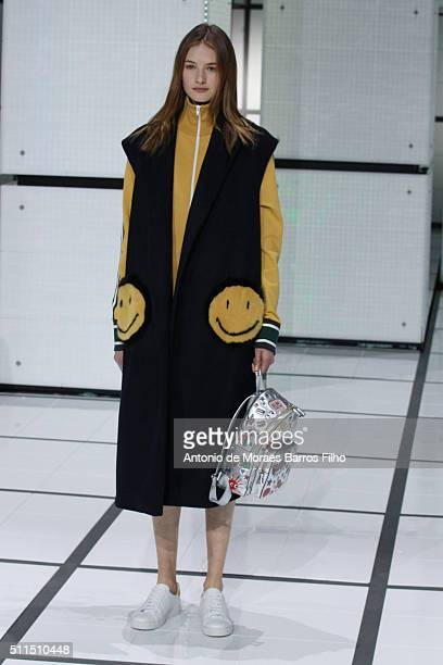 A model walks the runway at the Anya Hindmarch show during London Fashion Week Autumn/Winter 2016/17 at The Lindley Hall on February 21 2016 in...