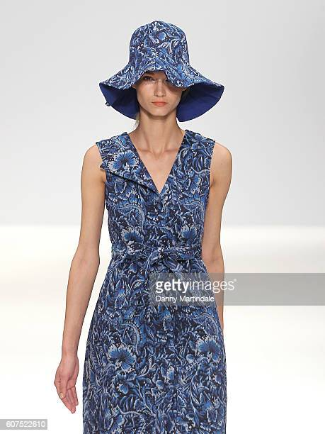 A model walks the runway at the Apu Jan show at Fashion Scout during London Fashion Week Spring/Summer collections 2016/2017 on September 18 2016 in...