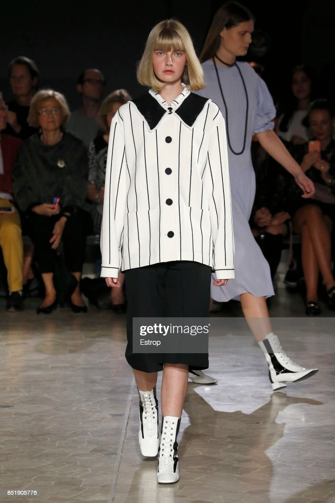 model-walks-the-runway-at-the-arthur-arbesser-show-during-milan-week-picture-id851905776