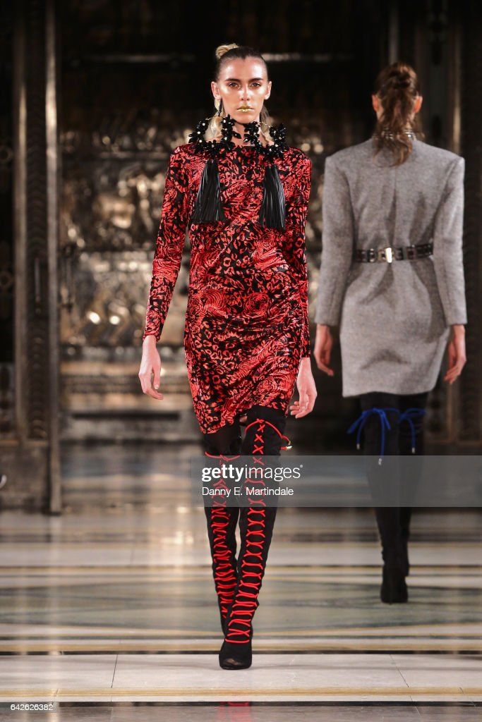 model-walks-the-runway-at-the-ashley-isham-show-at-fashion-scout-the-picture-id642626382