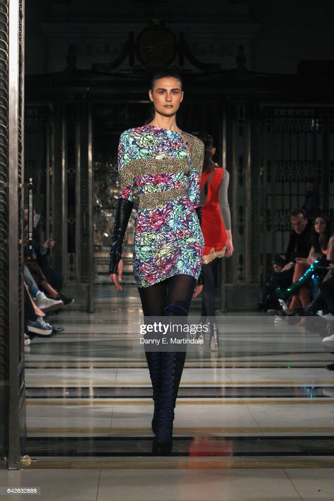 model-walks-the-runway-at-the-ashley-isham-show-at-fashion-scout-the-picture-id642632888