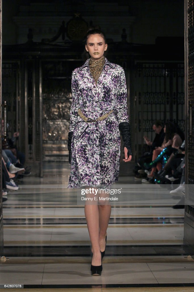 model-walks-the-runway-at-the-ashley-isham-show-at-fashion-scout-the-picture-id642637078