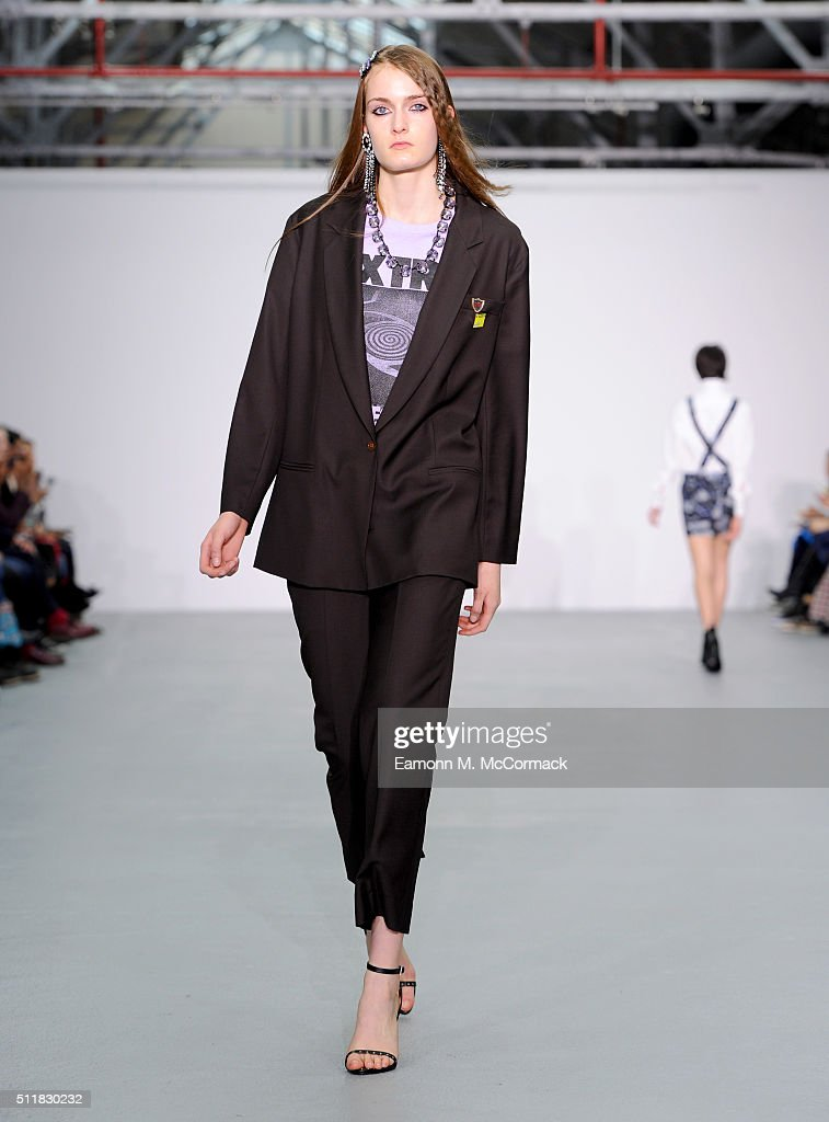 Ashley Williams Runway Lfw Aw16 Getty Images