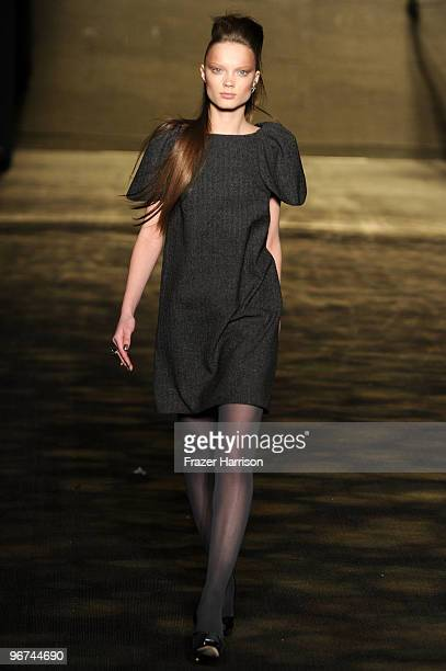 A model walks the runway at the Badgley Mischka Fall 2010 Fashion Show during MercedesBenz Fashion Week at The Tent at Bryant Park on February 16...