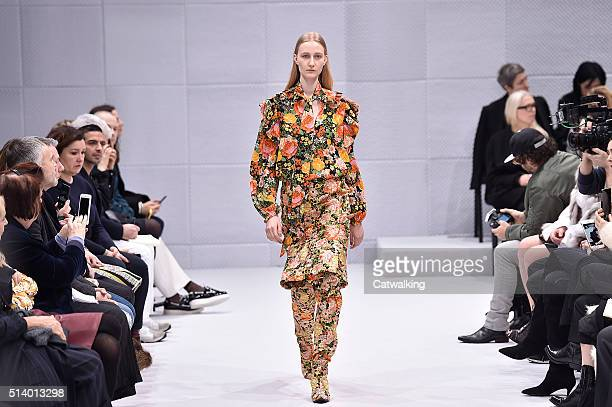A model walks the runway at the Balenciaga Autumn Winter 2016 fashion show during Paris Fashion Week on March 6 2016 in Paris France