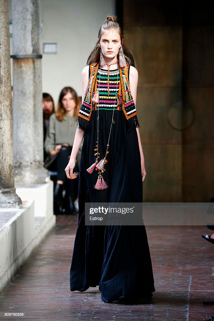 model-walks-the-runway-at-the-blugirl-designed-by-anna-molinari-show-picture-id609790356
