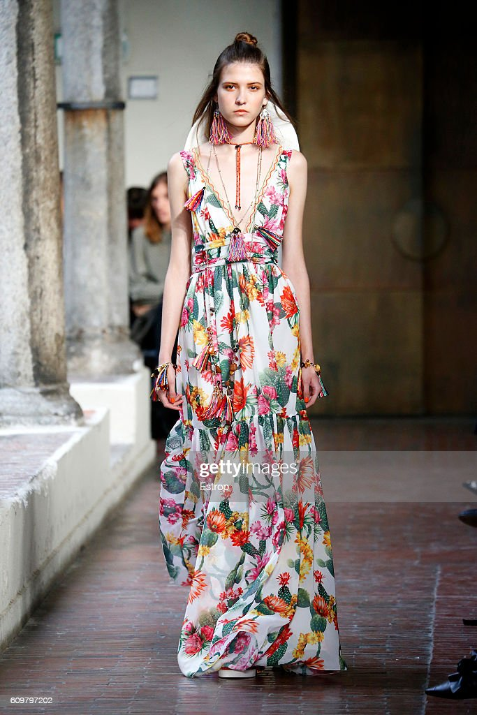 model-walks-the-runway-at-the-blugirl-designed-by-anna-molinari-show-picture-id609797202