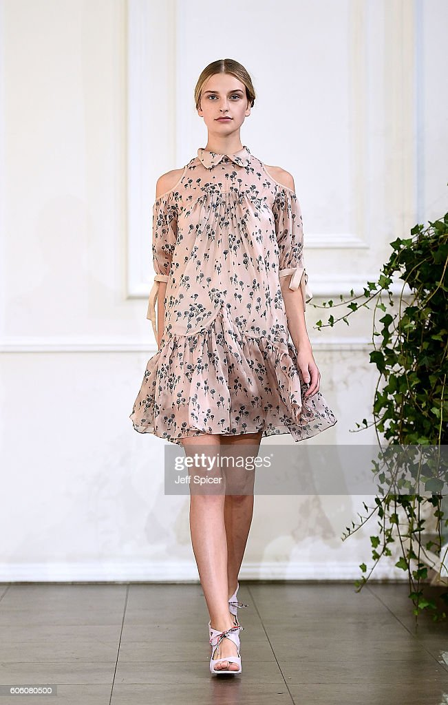 model-walks-the-runway-at-the-bora-aksu-show-during-london-fashion-picture-id606080500