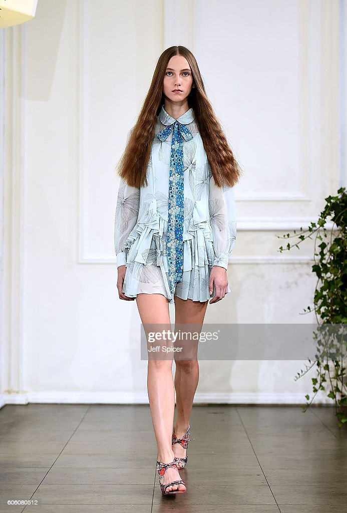 model-walks-the-runway-at-the-bora-aksu-show-during-london-fashion-picture-id606080512