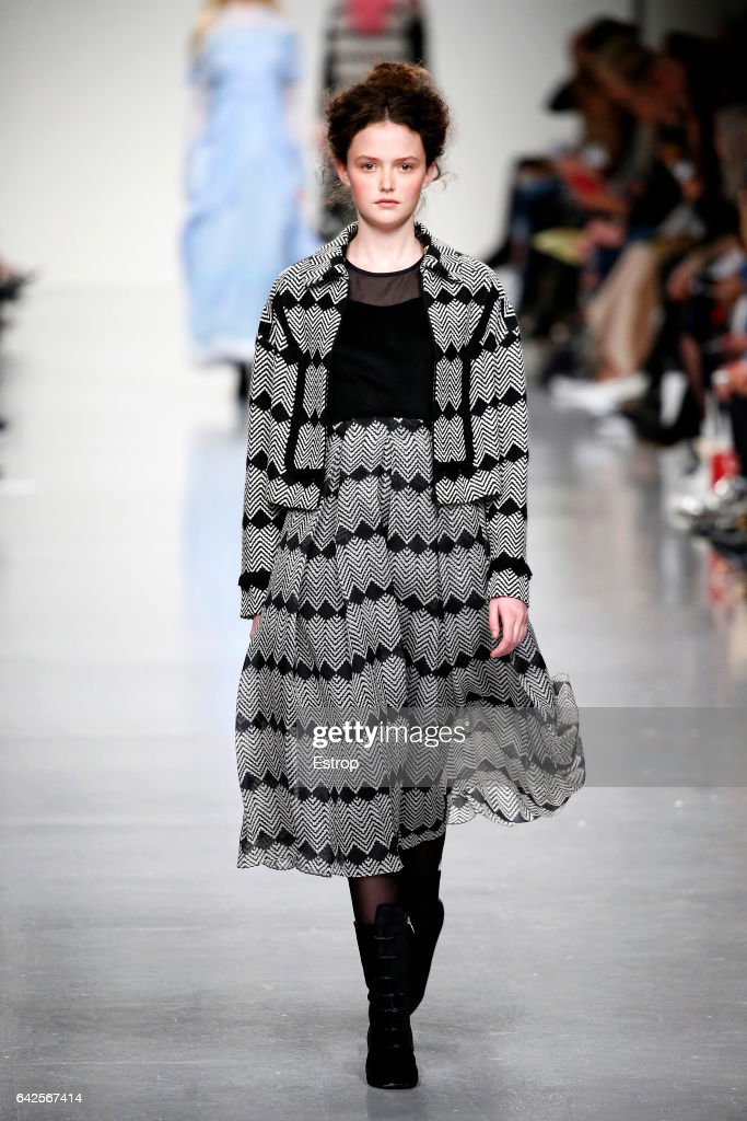 model-walks-the-runway-at-the-bora-aksu-show-during-the-london-week-picture-id642567414