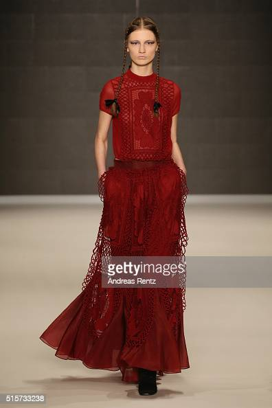 A model walks the runway at the Bora Aksu show during the MercedesBenz Fashion Week Istanbul Autumn/Winter 2016 at Zorlu Center on March 15 2016 in...