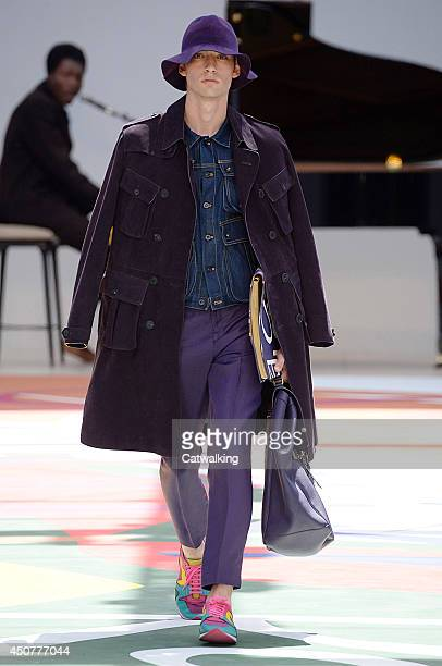 A model walks the runway at the Burberry Prorsum Spring Summer 2015 fashion show during London Menswear Fashion Week on June 17 2014 in London United...