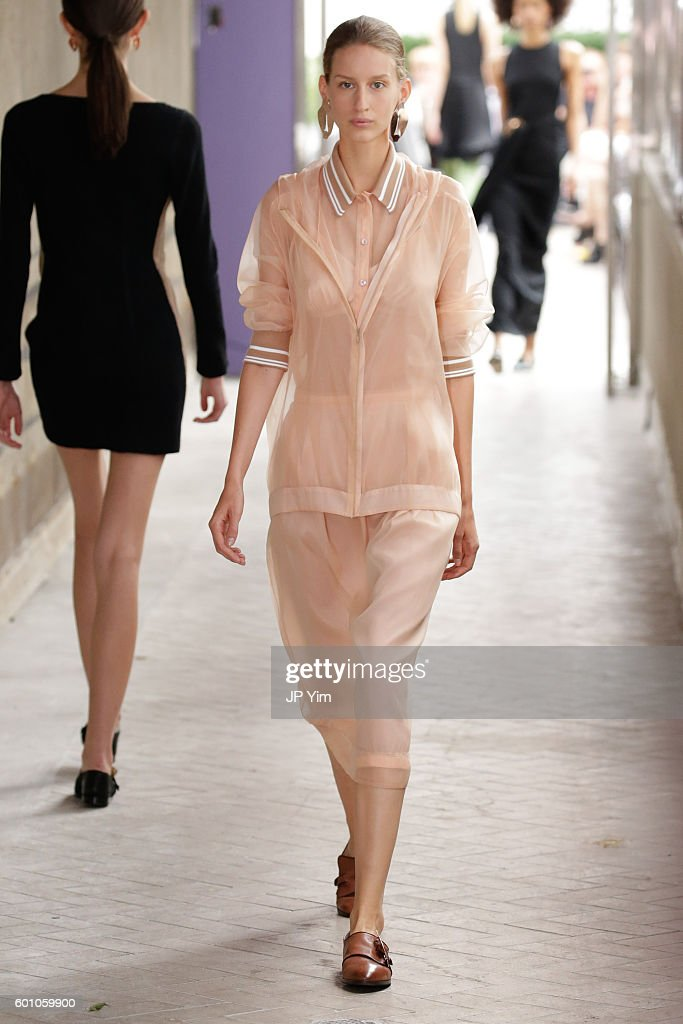 model-walks-the-runway-at-the-cg-fashion-show-during-new-york-fashion-picture-id601059900