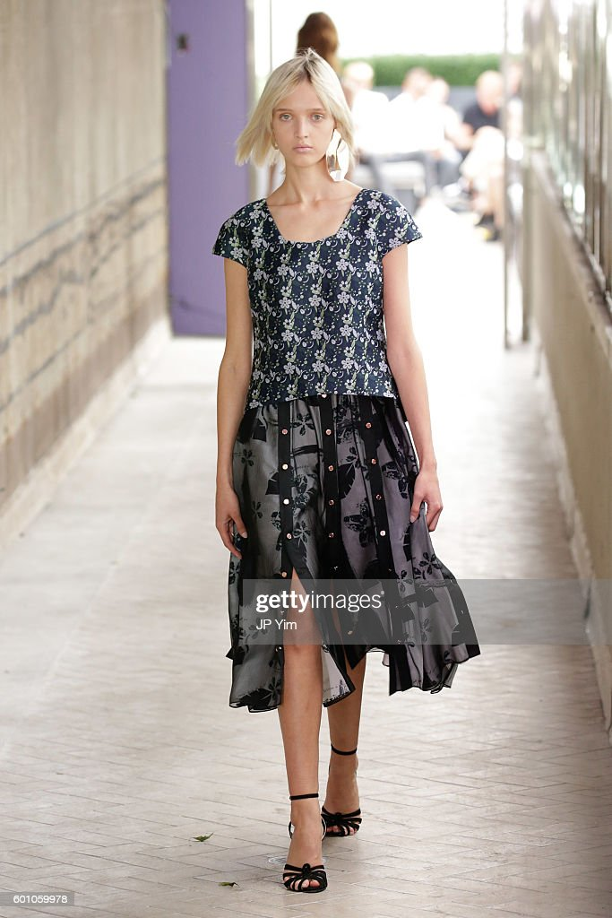 model-walks-the-runway-at-the-cg-fashion-show-during-new-york-fashion-picture-id601059978