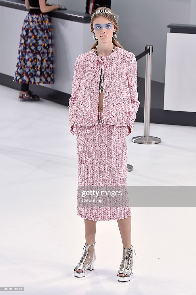Chanel runway rtw spring 2016 paris fashion week for Fashion runway shows videos
