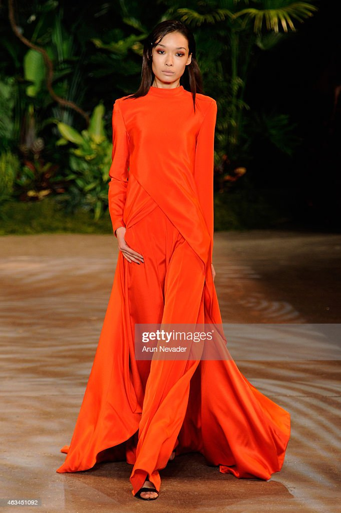 A model walks the runway at the Christian Siriano fashion show during MercedesBenz Fashion Week Fall 2015 at ArtBeam on February 14 2015 in New York...
