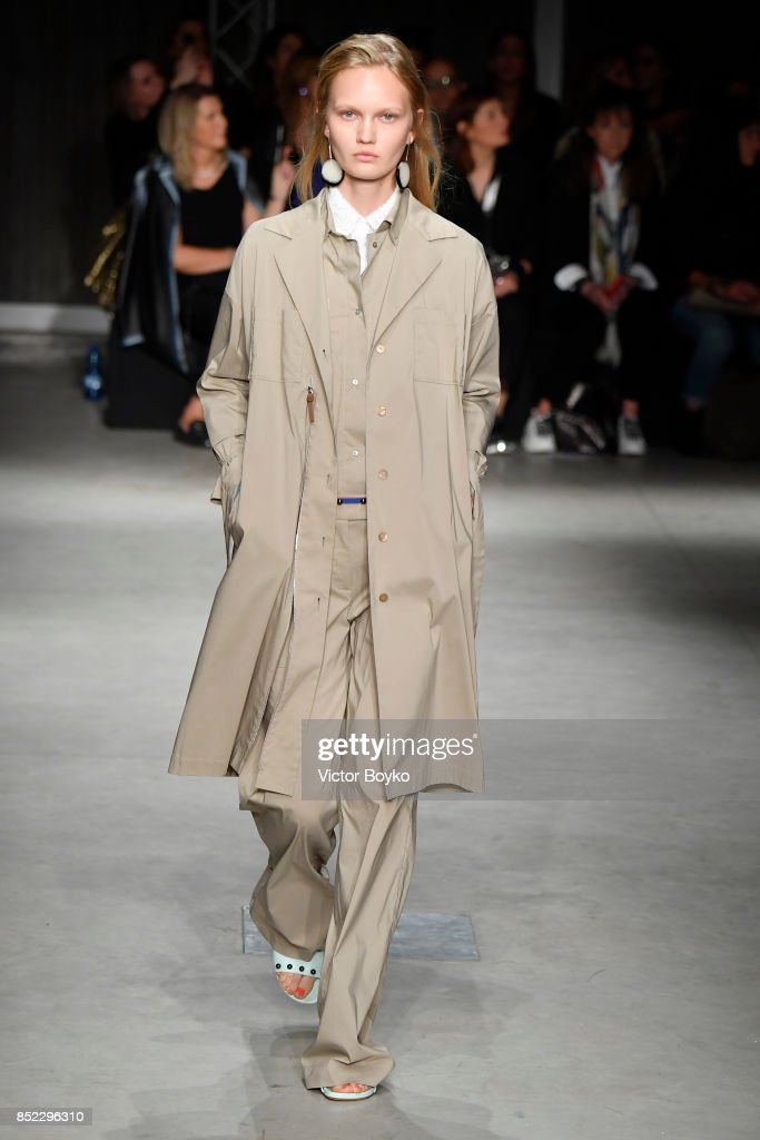 model-walks-the-runway-at-the-cividini-show-during-milan-fashion-week-picture-id852296310