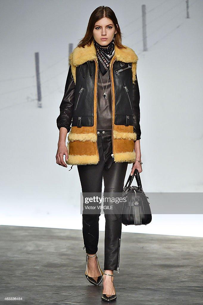 Coach presentation mercedes benz fashion week fall for Mercedes benz fashion show