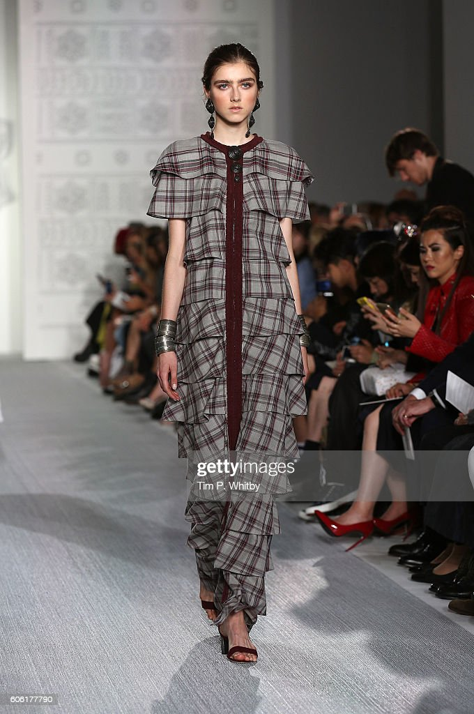 model-walks-the-runway-at-the-daks-show-during-london-fashion-week-picture-id606177790