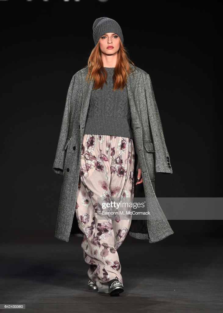 model-walks-the-runway-at-the-daks-show-during-the-london-fashion-picture-id642433360