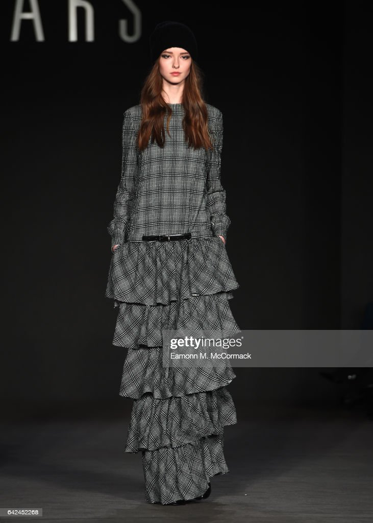 model-walks-the-runway-at-the-daks-show-during-the-london-fashion-picture-id642452268