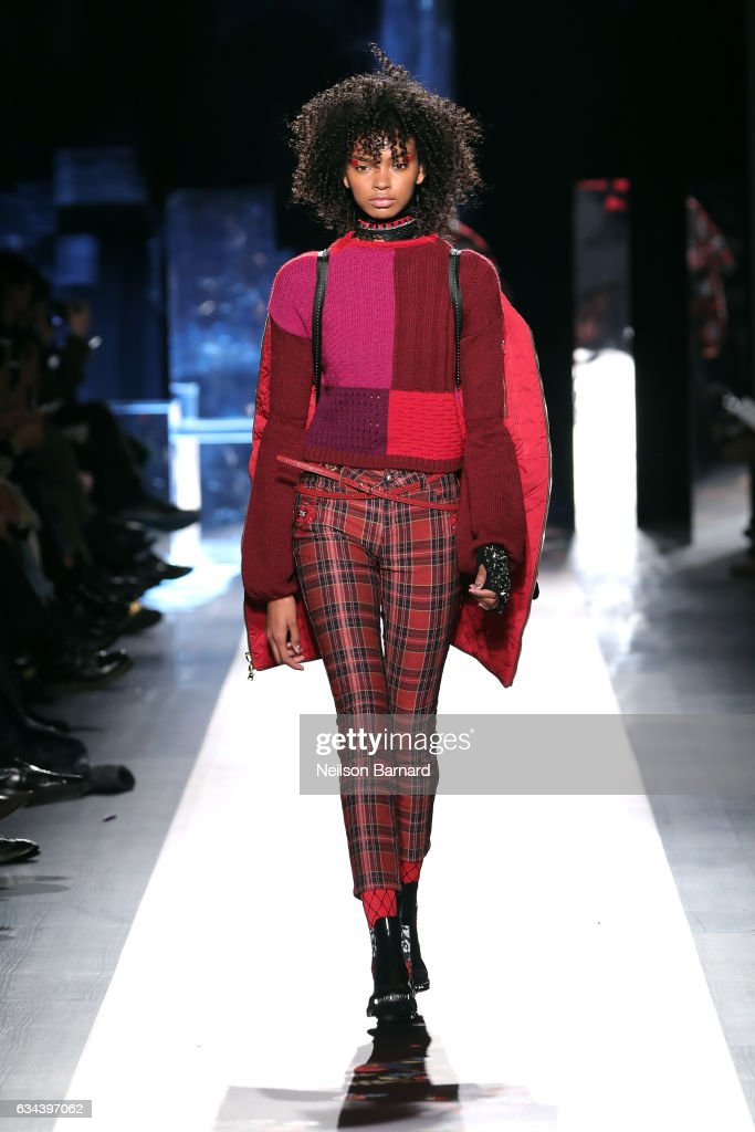 model-walks-the-runway-at-the-desigual-show-new-york-fashion-week-the-picture-id634397062