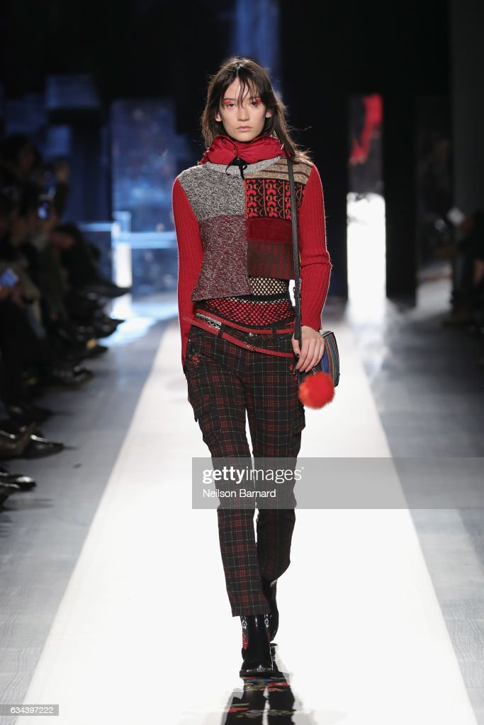 model-walks-the-runway-at-the-desigual-show-new-york-fashion-week-the-picture-id634397222