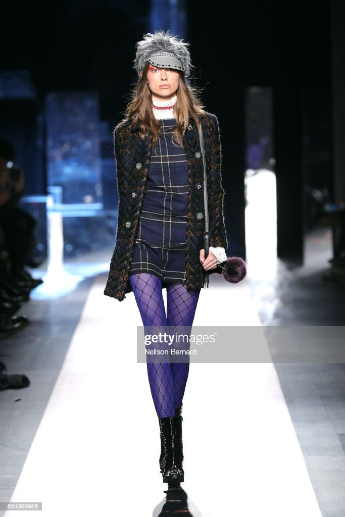 model-walks-the-runway-at-the-desigual-show-new-york-fashion-week-the-picture-id634399986