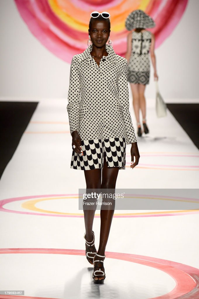 A model walks the runway at the Desigual Spring 2014 fashion show at The Theatre at Lincoln Center on September 5, 2013 in New York City.