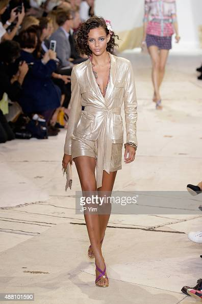 A model walks the runway at the Diane Von Furstenberg Spring 2016 fashion show during New York Fashion Week at Spring Studios on September 13 2015 in...
