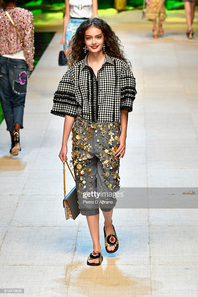 model-walks-the-runway-at-the-dolce-and-gabbana-show-during-milan-picture-id610373836
