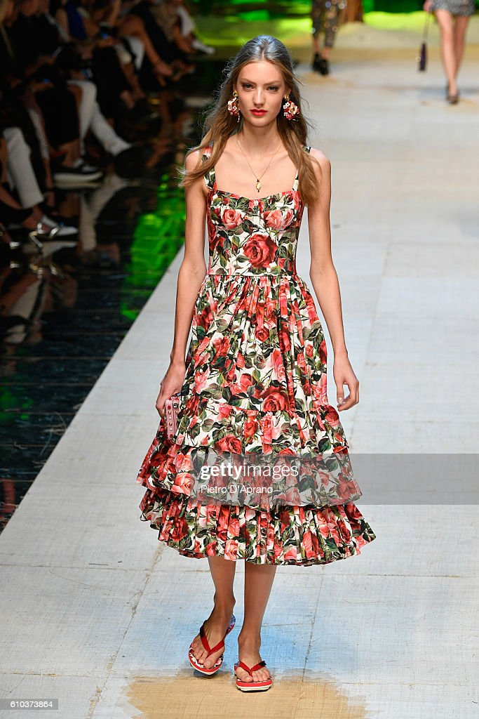model-walks-the-runway-at-the-dolce-and-gabbana-show-during-milan-picture-id610373864