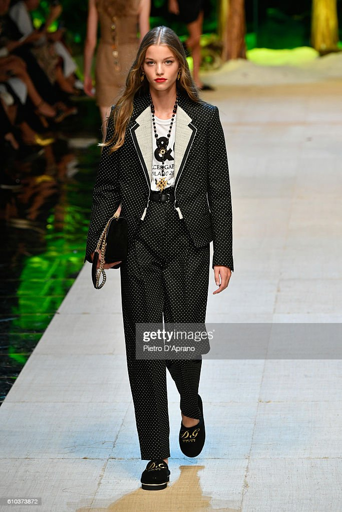 model-walks-the-runway-at-the-dolce-and-gabbana-show-during-milan-picture-id610373872