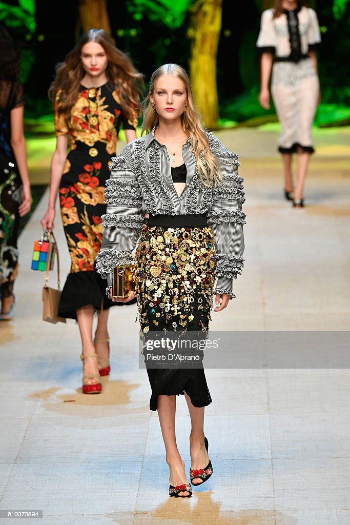 model-walks-the-runway-at-the-dolce-and-gabbana-show-during-milan-picture-id610373894