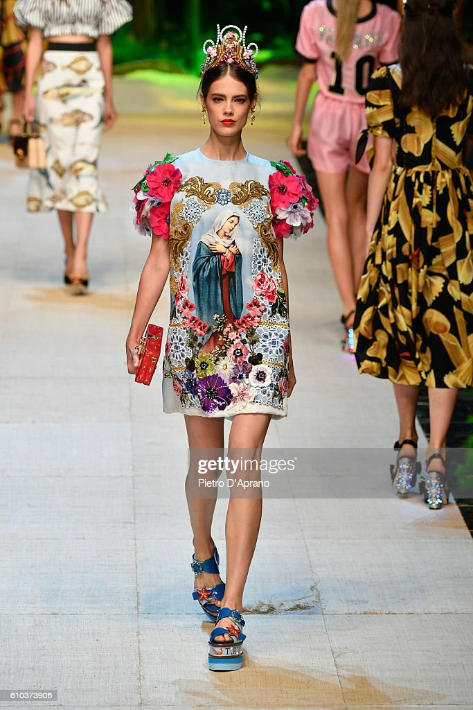model-walks-the-runway-at-the-dolce-and-gabbana-show-during-milan-picture-id610373906