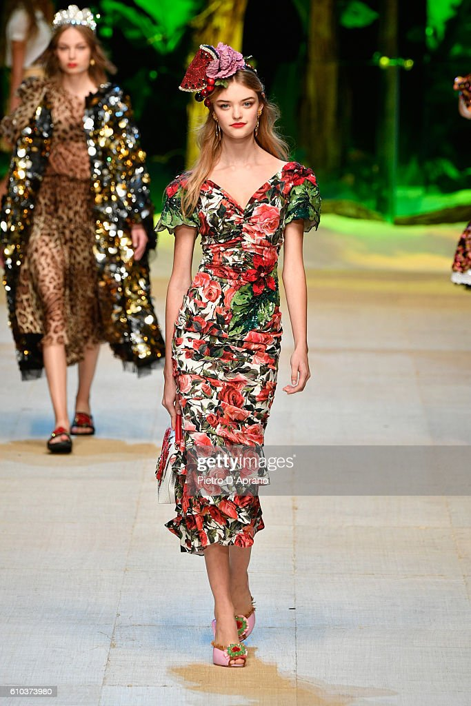 model-walks-the-runway-at-the-dolce-and-gabbana-show-during-milan-picture-id610373980