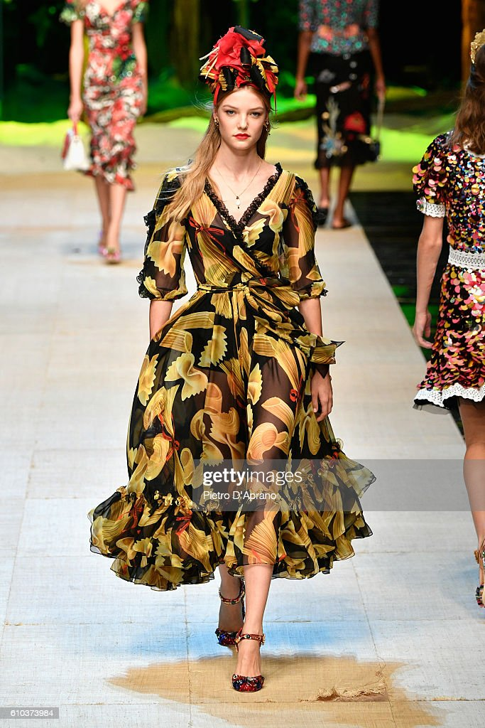 model-walks-the-runway-at-the-dolce-and-gabbana-show-during-milan-picture-id610373984