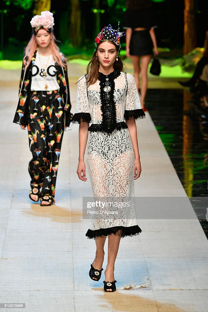 model-walks-the-runway-at-the-dolce-and-gabbana-show-during-milan-picture-id610373996