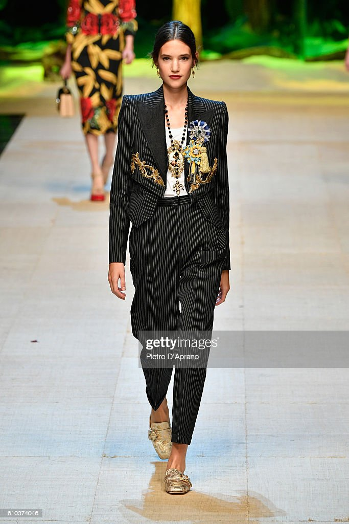 model-walks-the-runway-at-the-dolce-and-gabbana-show-during-milan-picture-id610374046