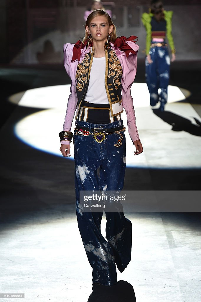 model-walks-the-runway-at-the-dsquared2-spring-summer-2017-fashion-picture-id610456884
